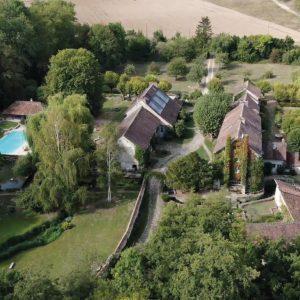 Moulin-de-Launoy-mariage-lieu-1-heure-de-paris-salle-par-arbore-nature-vert-campgagne